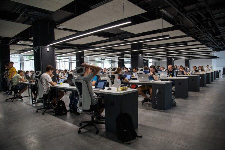 irodai dolgozók - foglalkoztatói létszám
